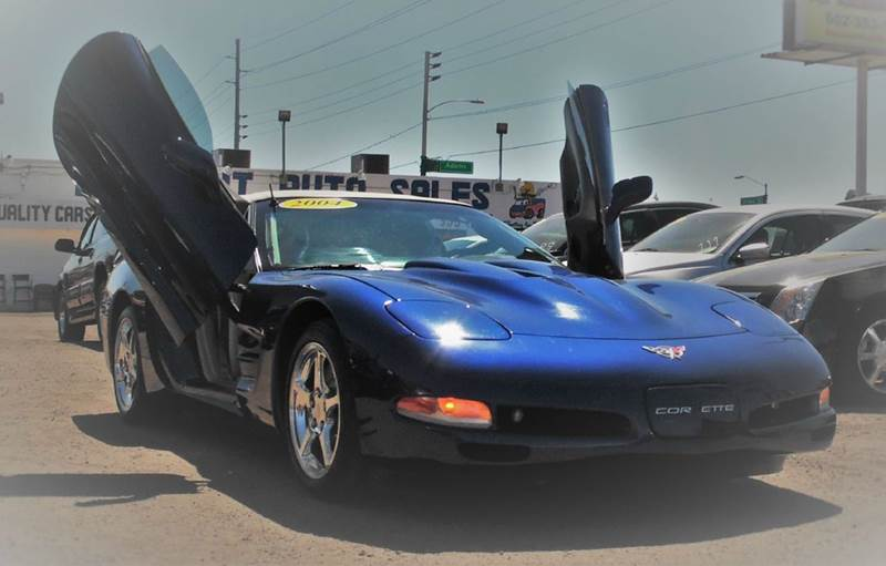 2004 CHEVROLET CORVETTE BASE 2DR CONVERTIBLE blue be the talk of the town when you roll down the