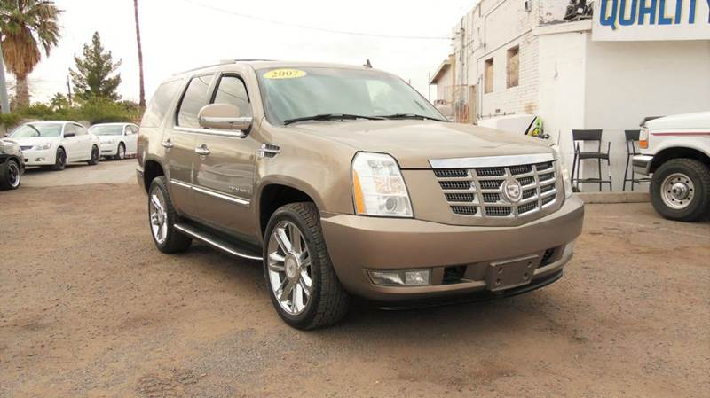 2007 CADILLAC ESCALADE BASE AWD 4DR SUV gold this 2007 cadillac escalade suv awd it ahs a 62l-v8