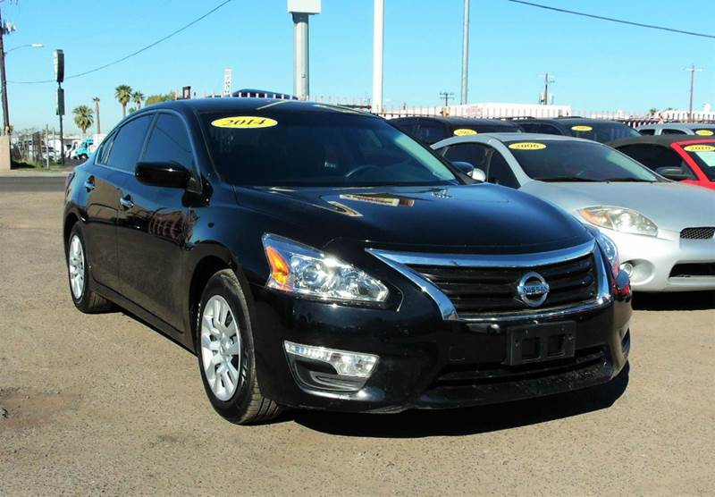 2014 NISSAN ALTIMA 25 S 4DR SEDAN black this 2014 nissan altima is amazing and very clean it has