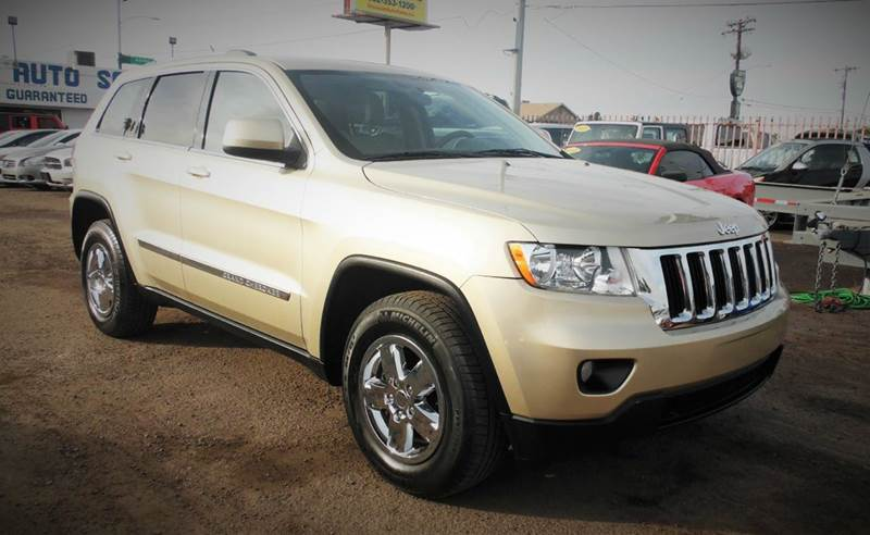 2011 JEEP GRAND CHEROKEE LAREDO 4X4 4DR SUV gold this amazing gold color 2011 jeep cherokee laredo