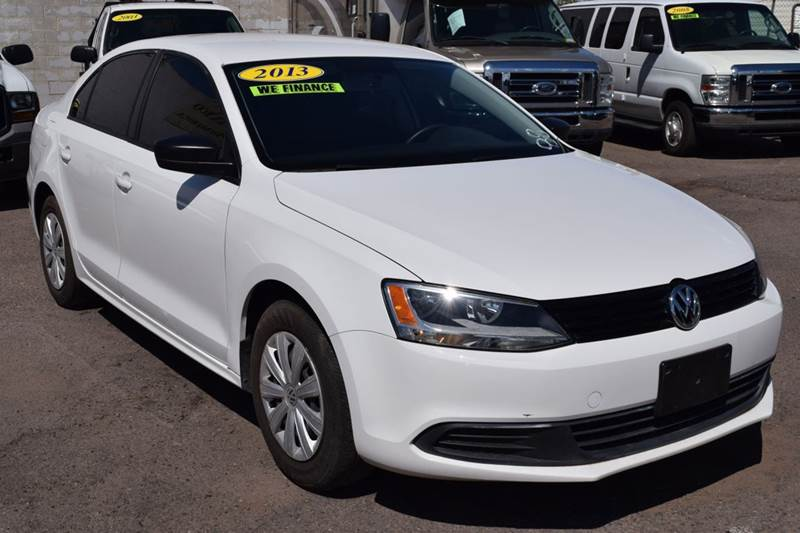 2013 VOLKSWAGEN JETTA S 4DR SEDAN 6A whirte the 2013 volkswagen jetta s is perfect for a vehicle