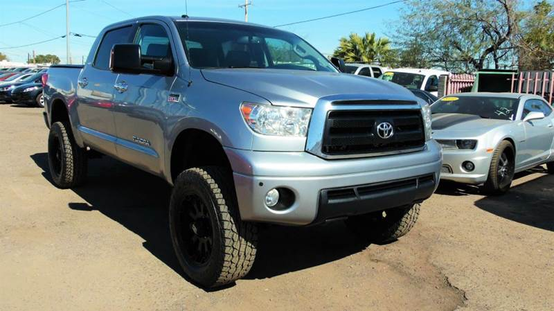 2011 TOYOTA TUNDRA GRADE 4X4 4DR CREWMAX CAB PICKUP silver this 2011 toyota tundra sr 5 is a very