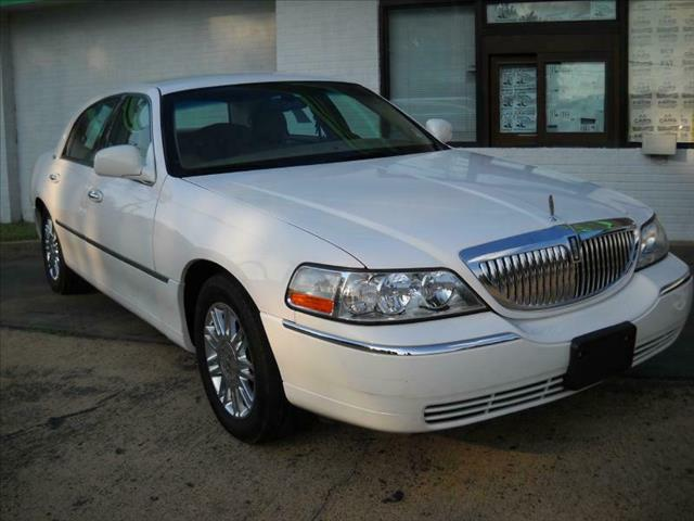 2008 Lincoln Town Car for sale in Memphis TN