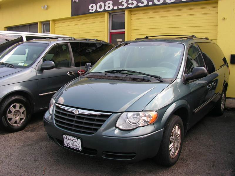 2005 chrysler town and country touring 4dr extended mini van in elizabeth nj a d e auto sales. Black Bedroom Furniture Sets. Home Design Ideas