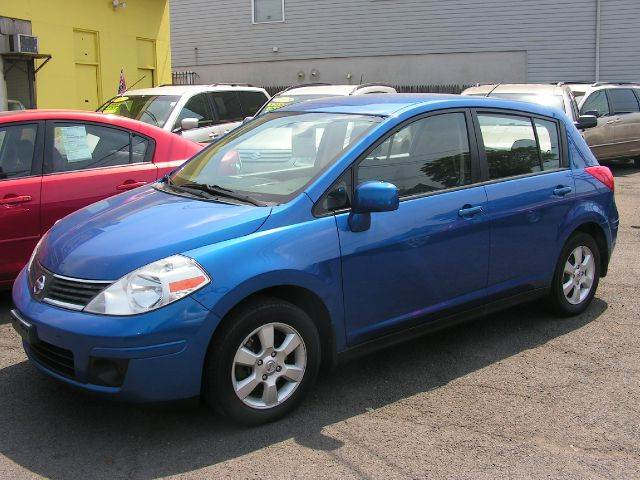 2008 nissan versa 1 8 s 4dr hatchback 4a in elizabeth. Black Bedroom Furniture Sets. Home Design Ideas