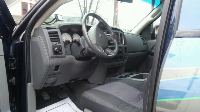 2007 Dodge Ram Pickup 3500 SLT 4dr Mega Cab 4x4 SB - East Liverpool OH