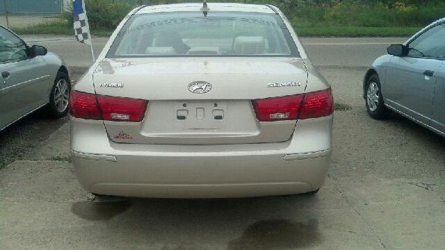 2009 Hyundai Sonata GLS 4dr Sedan 5A - East Liverpool OH