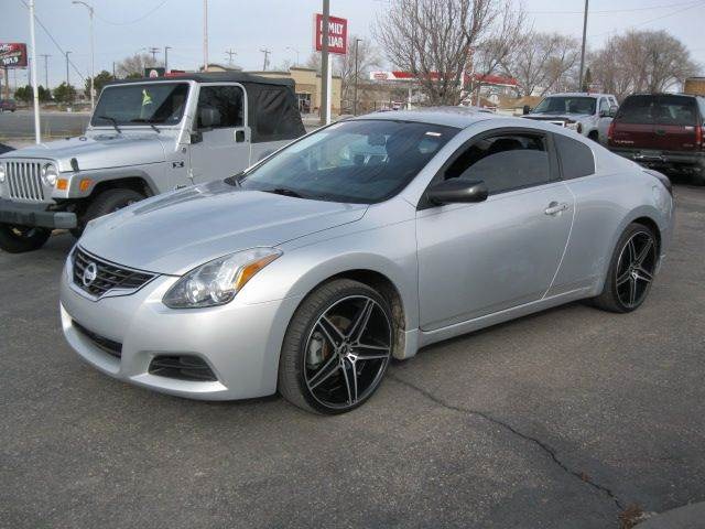 2010 nissan altima 2 5 s 2dr coupe cvt in pocatello id university auto sales inc. Black Bedroom Furniture Sets. Home Design Ideas