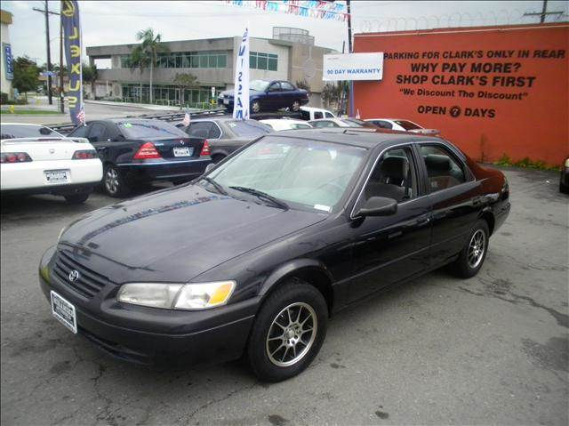 1999 Toyota Camry LE-ONE OWNER - Bellflower CA