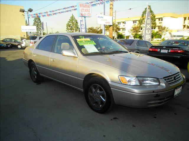 1997 Toyota Camry LE  - Bellflower CA