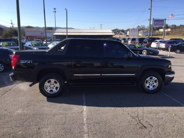 2005 chevrolet avalanche 1500 z71 4dr 4wd crew cab sb in knoxville vehicle options sciox Image collections