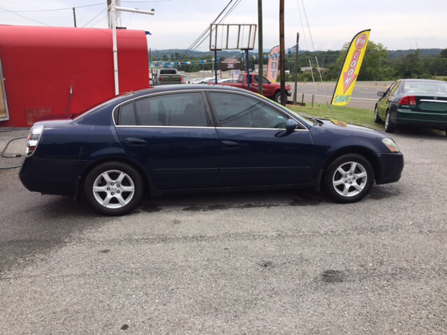 2006 Nissan Altima 2.5 S 4dr Sedan w/Automatic - Knoxville TN