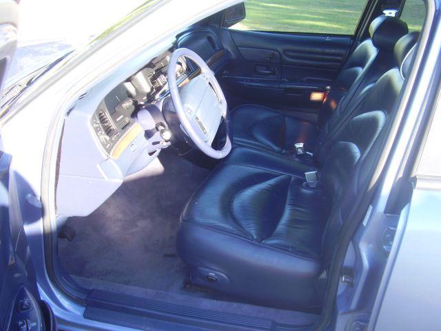 1995 Ford Crown Victoria LX 4dr Sedan - Battle Ground WA