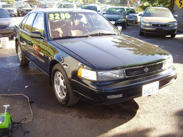 1993 Nissan Maxima GXE (auto) - BATTLE GROUND WA