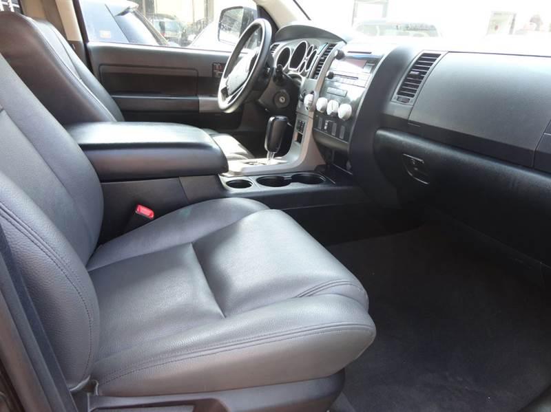 2012 Toyota Tundra 4x4 Grade 4dr Double Cab Pickup SB (5.7L V8) - Redmond WA