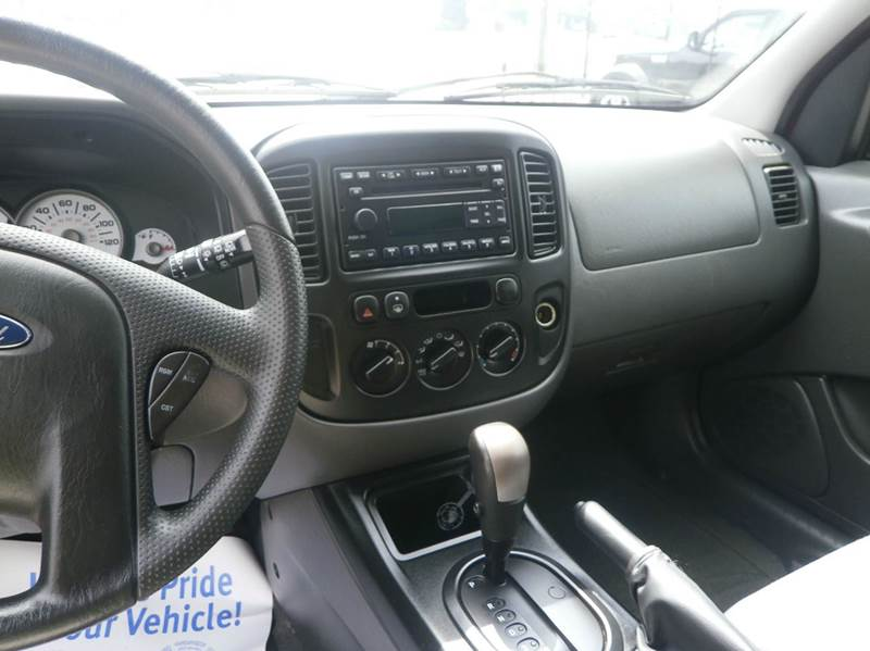 2006 Ford Escape XLS AWD 4dr SUV w/Automatic - Hickory NC
