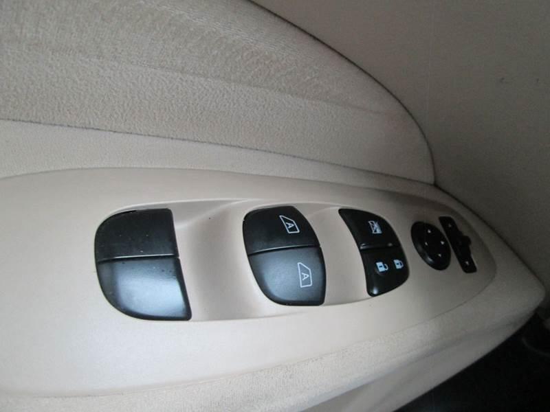 2016 Nissan Pathfinder SV 4dr SUV - Bryan TX