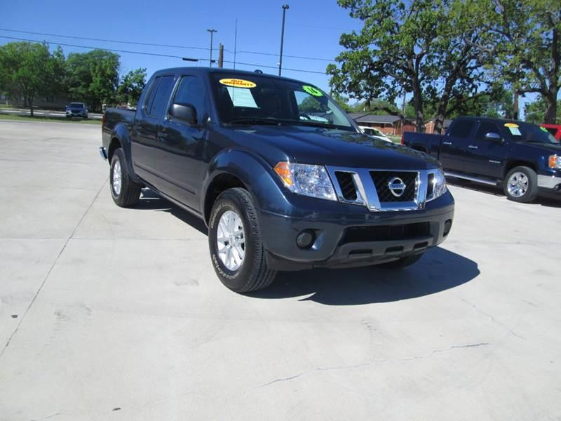 2016 Nissan Frontier 4x2 SV 4dr Crew Cab 5 ft. SB Pickup 5A - Bryan TX