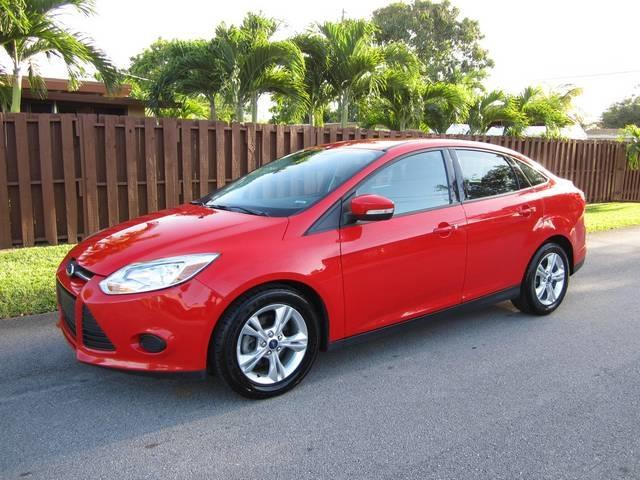 2013 FORD FOCUS SE 4DR SEDAN red door handle color body-color front bumper color body-color g