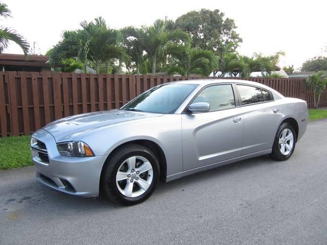 2013 DODGE CHARGER SE 4DR SEDAN gray door handle color body-color exhaust tip color chrome du