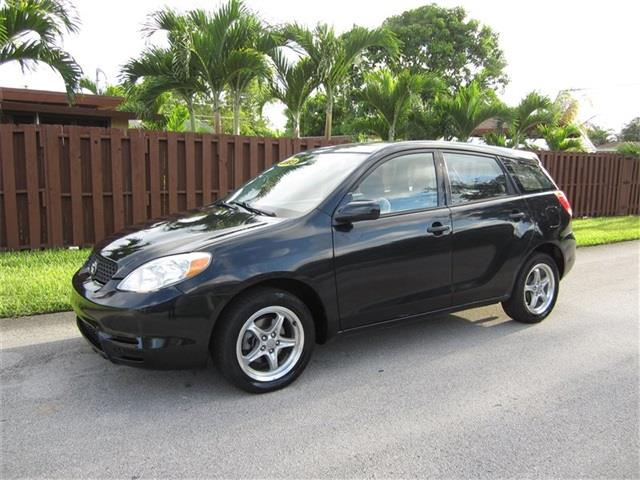 2003 TOYOTA MATRIX black front air conditioning front airbags in-dash cd radio power brakes