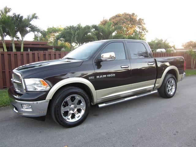 2011 RAM RAM PICKUP 1500 BIG HORN 4X2 4DR CREW CAB 55 FT dk brown ashtray portable cupholders