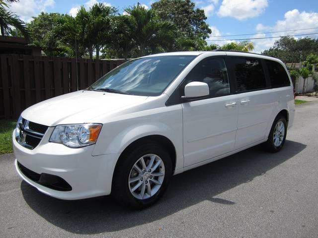 2013 DODGE GRAND CARAVAN SXT 4DR MINI VAN white body side moldings body-color door handle color
