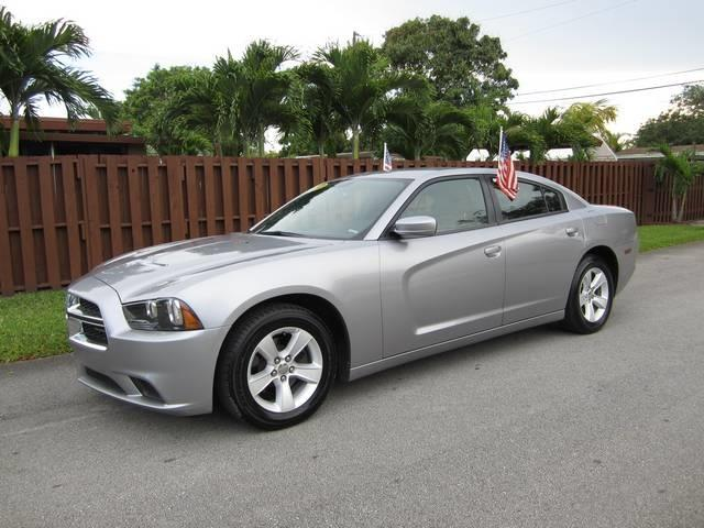 2013 DODGE CHARGER SE 4DR SEDAN silver door handle color body-color exhaust tip color chrome