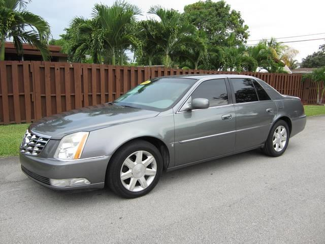 2006 CADILLAC DTS gray grille color chrome air filtration center console trim simulated wood