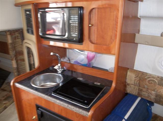2004 RINKER 270 FV  - Worcester MA
