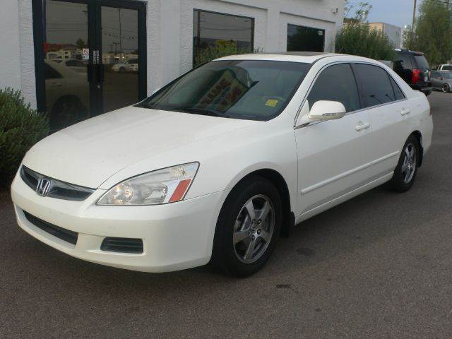 2006 HONDA ACCORD V6 5-SPEED AT white abs brakesair conditioningalloy wheelsamfm radioanti-br