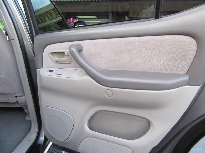 2003 Toyota Sequoia SR5 4dr SUV - La Mesa CA