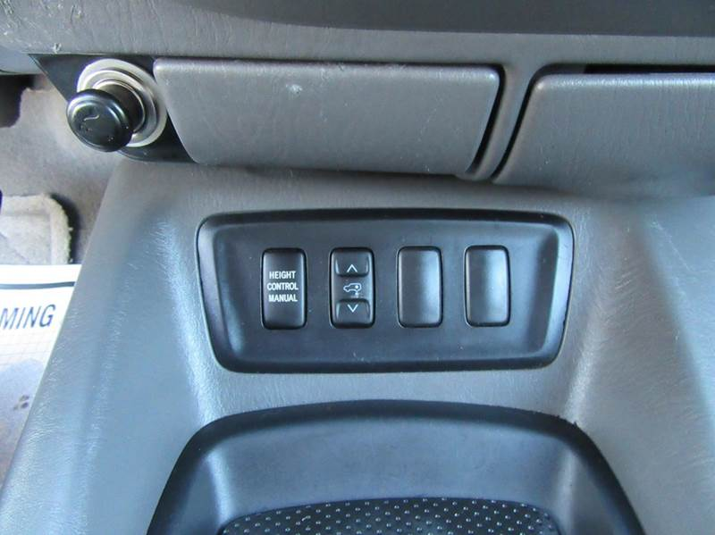 2006 Toyota Sequoia SR5 4dr SUV - La Mesa CA