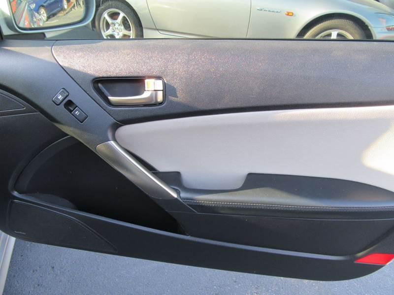 2013 Hyundai Genesis Coupe 2.0T Premium 2dr Coupe - La Mesa CA