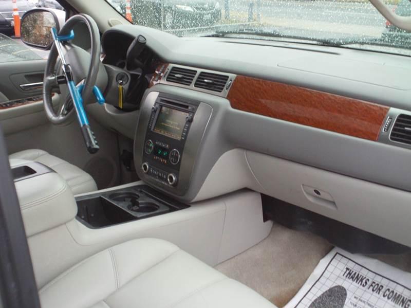 2007 Gmc Yukon SLT 4dr SUV 4x4 w 4SA w SLT 1 Package In Capitol