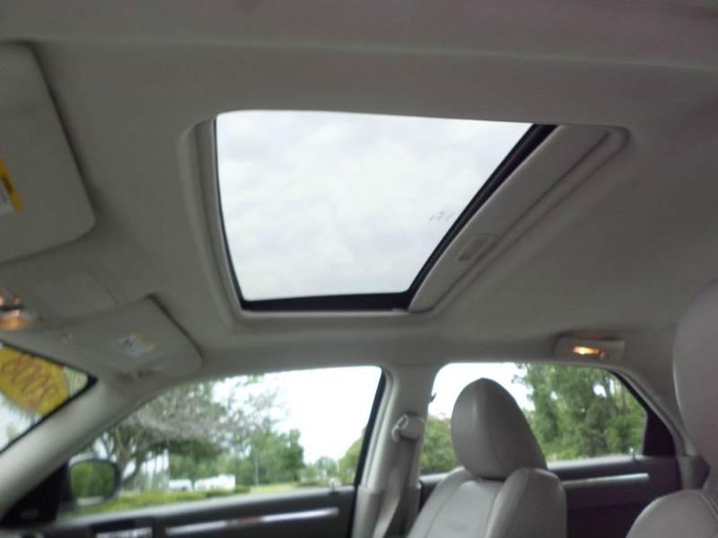 2008 Chrysler 300 C HEMI 4dr Sedan - Monroe MI
