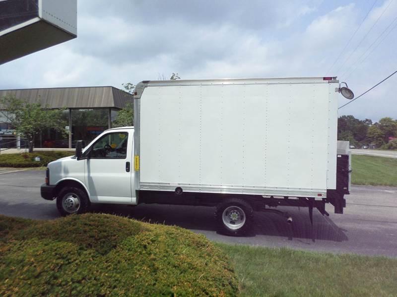 2012 Chevrolet Express Cutaway 3500 2dr 139 in. WB Cutaway Chassis w/ 1WT - Monroe MI