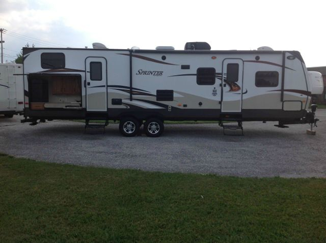 2012 KEYSTONE Sprinter Model 311 BHS