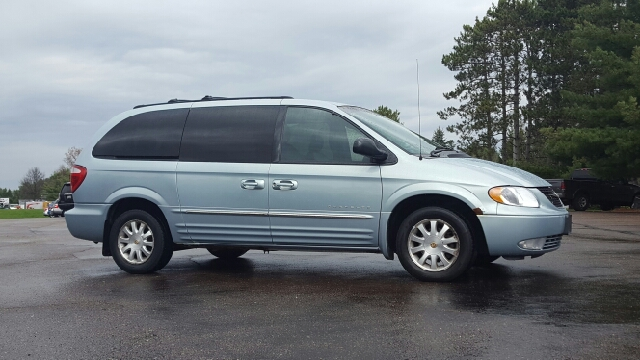 2001 Chrysler Town and Country LXi 4dr Extended Mini-Van - Eau Claire WI