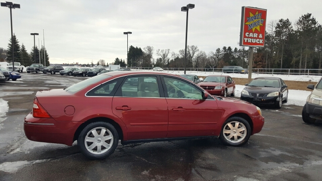2005 ford five hundred se 4dr sedan in eau claire wi krazy mikes car and truck. Black Bedroom Furniture Sets. Home Design Ideas
