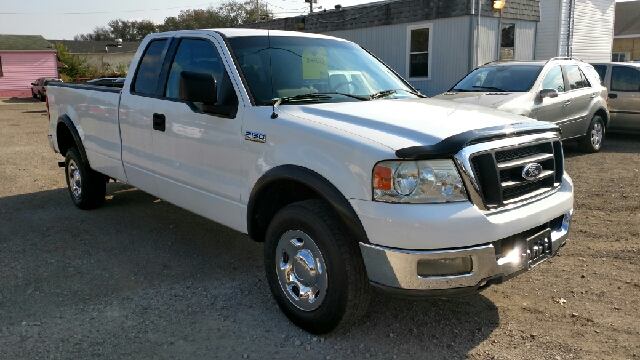 2004 ford f 150 xl 4dr supercab 4wd styleside 8 ft lb in lancaster oh r r wholesale. Black Bedroom Furniture Sets. Home Design Ideas
