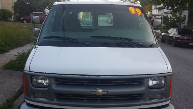 1999 Chevrolet Express for sale in Uniondale NY