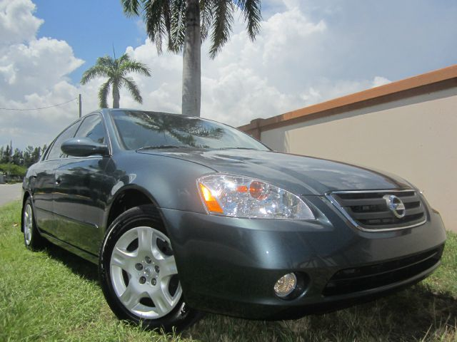 2002 NISSAN ALTIMA 25 S blue this 2002 nissan altima runs great and has been thoroughly inspected
