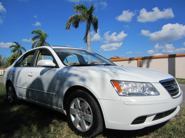 2009 HYUNDAI SONATA GLS white call 1-877-775-0217 for sales this beautiful 2009 hyundai sona