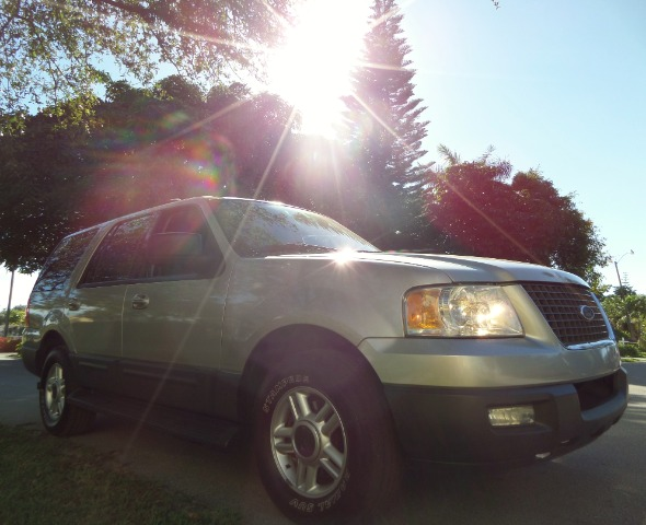 2003 FORD EXPEDITION XLT PREMIUM 46L 2WD silver call 1-877-775-0217 for sales this 2003 for