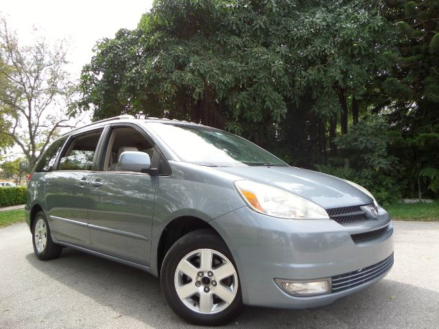 2004 TOYOTA SIENNA XLE LIMITED gray call 1-877-775-0217 for sales this clean title 2004 toyo