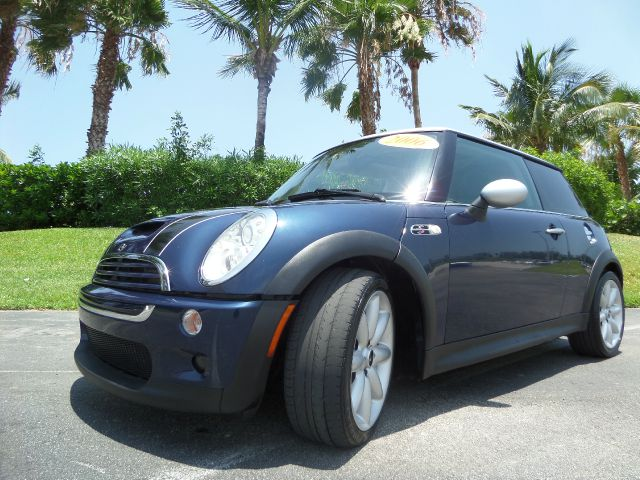 2006 MINI COOPER S 2DR HATCHBACK blue call 1-877-775-0217 for sales this 2006 mini cooper s