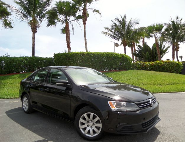 2012 VOLKSWAGEN JETTA SE black call 1-877-775-0217 for sales this 2012 volkswagen jetta se r