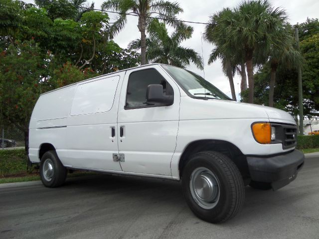 2006 FORD ECONOLINE E-250 white call 1-877-775-0217 for sales this 2009 volkswagen jetta run