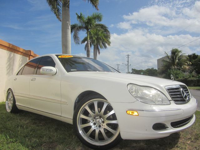2006 MERCEDES-BENZ S-CLASS S430 white this beautiful 2006 mercedes s430 runs very well and has bee